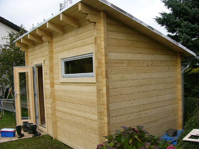 blockhaus ihre neue gartensauna in massivholzbauweise mit spannstangen. Black Bedroom Furniture Sets. Home Design Ideas